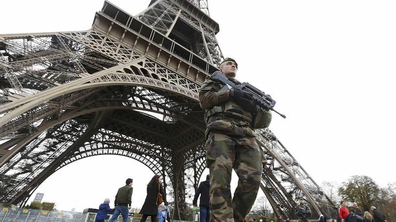 Torre Eiffel ficará fechada por protesto contra reforma