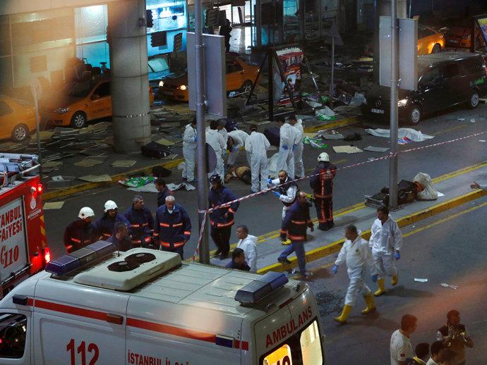 EI é principal suspeito de atentado em Istambul; número de mortos sobe para 41