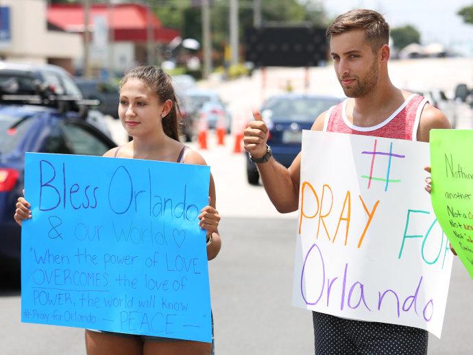Republicanos querem ampliar poderes do FBI após massacre de Orlando