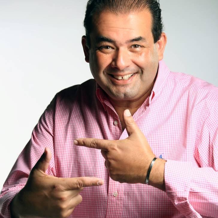 Jota Abussafi comemora 5º ano de sucesso de programa