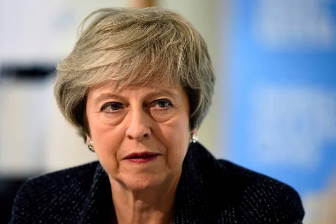 May alerta que Brexit pode não ocorrer