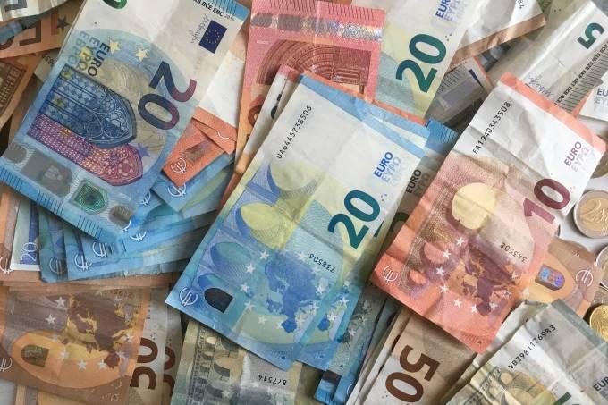 Sentimento econômico na zona do euro cai pelo 10º mês seguido
