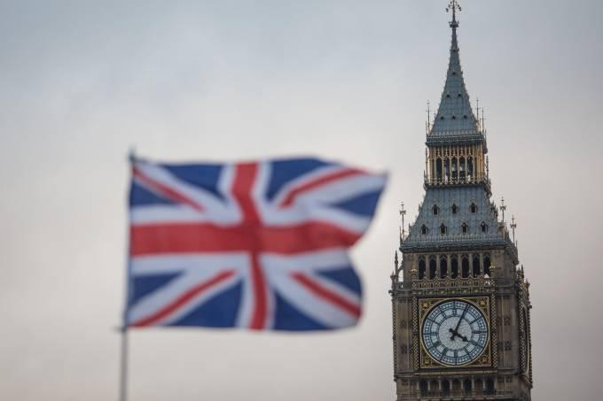 Produção industrial do Reino Unido sobe 0,6% e surpreende analistas