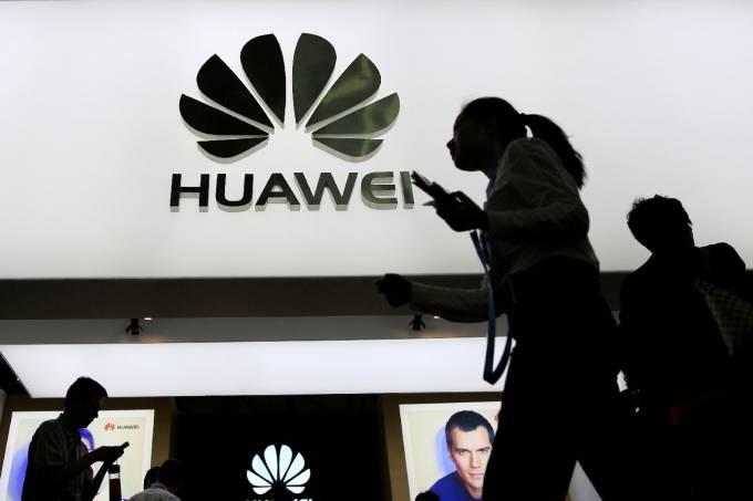 Huawei ou Apple e Google: quem mais perde com guerra comercial?