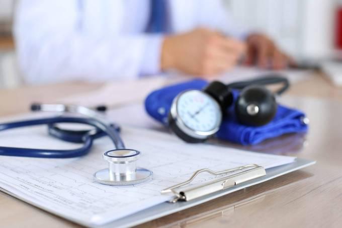 MEC quer aperfeiçoar processo de revalidação do diploma de medicina