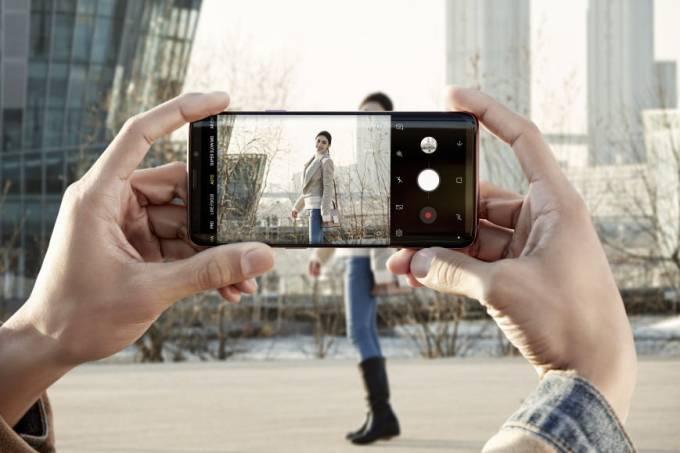 Smartphones fizeram mercado de câmeras despencar 84%