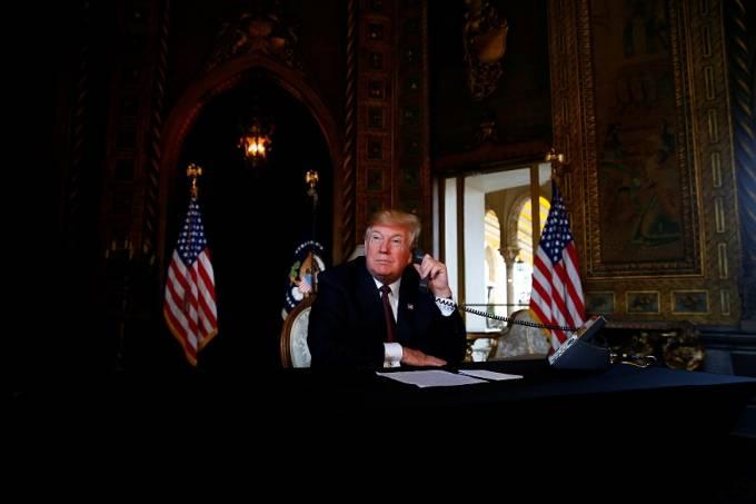 """Trump diz """"não ter pressa"""" para finalizar acordo comercial com a China"""