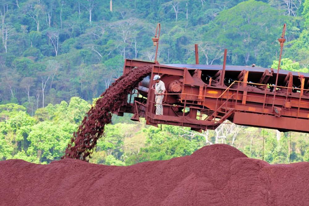 Produção industrial tem alta em 10 de 15 regiões em abril, aponta IBGE