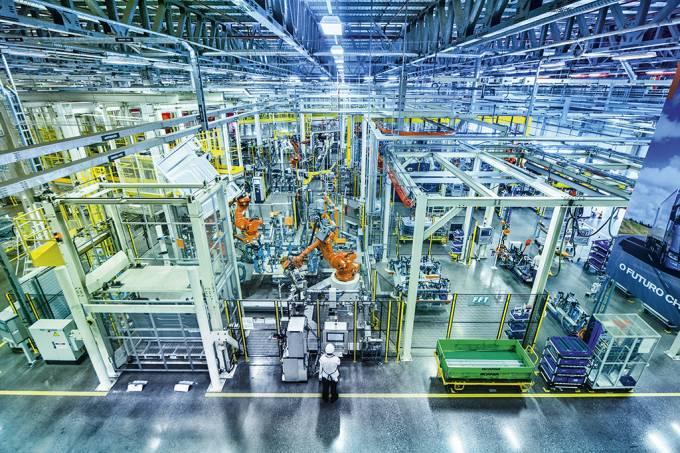 """Tecnologia puxa para baixo a indústria, que já está em """"recessão"""""""