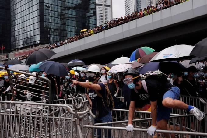 Em Hong Kong, tensão sobe contra lei de deportação à China