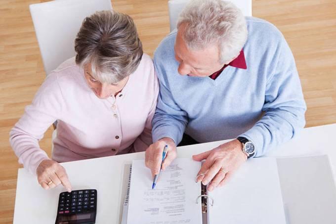 5 benefícios de contratar estagiários sessentões