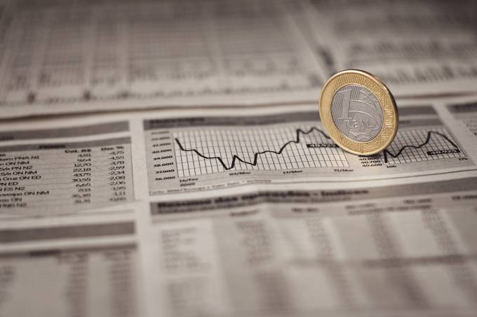 Queda de juros? Mercado contraria cautela do BC e precifica corte da Selic