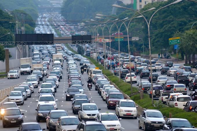 Pontos na CNH mudam conduta ao volante, diz estudo