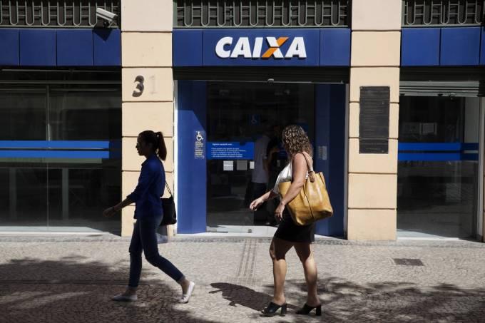 Por FGTS, Caixa quer adiar saída de funcionários em PDV