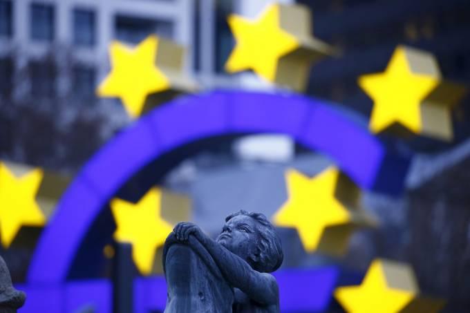 Inflação da zona do euro em julho é revisada para 1,3%
