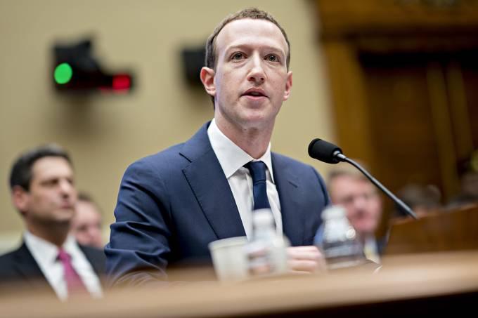Reguladores dos EUA aprovam multar Facebook por US$ 5 bi por violar dados