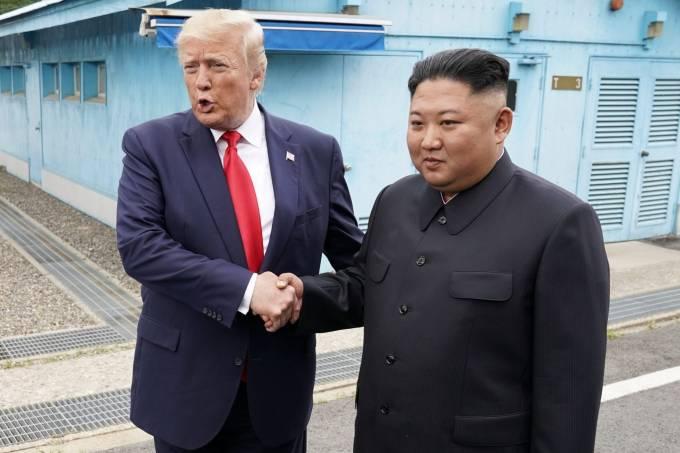 Trump se torna o 1º presidente dos EUA a pisar na Coreia do Norte