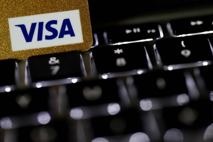 Aumenta em 70% o número de lojas virtuais que aceitam débito, diz Visa
