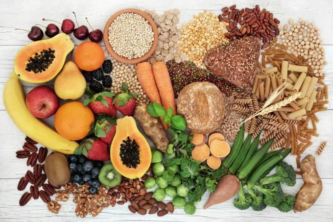 Comer alimentos com bastante fibra pode ajudar no tratamento de câncer