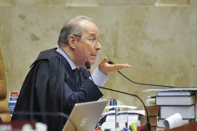 """""""Bolsonaro minimiza a Constituição"""", diz decano do STF"""