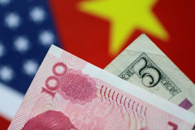 Dólar atinge maior valorização frente à moeda chinesa desde 2008