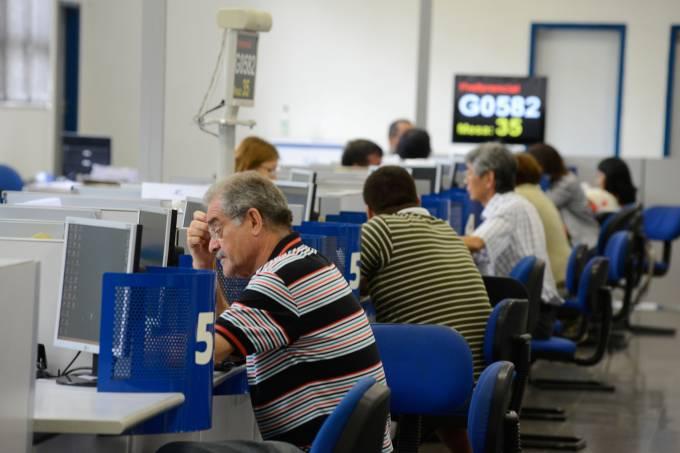 INSS traça plano para zerar fila de espera por benefícios
