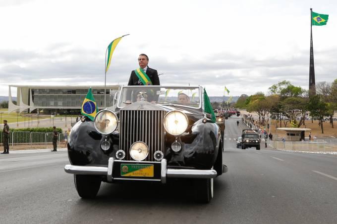 Bolsonaro abre desfile da Independência em Brasília com 4,5 mil pessoas