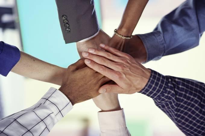 Como ajudar os fornecedores na promoção da diversidade?