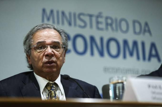 "Após ""fogo amigo"", Paulo Guedes faz ofensiva por reformas"