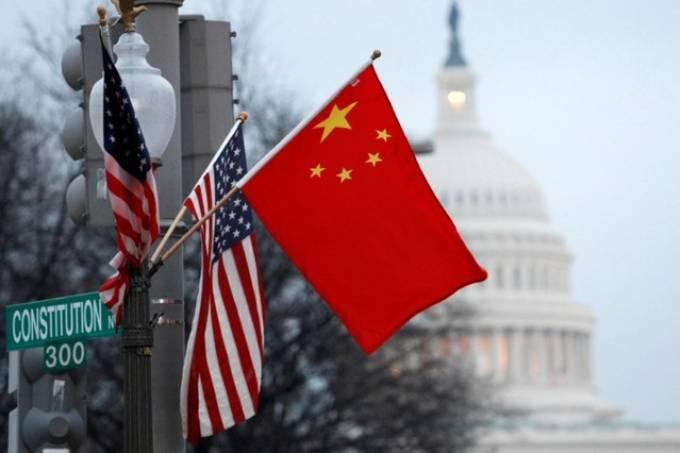 """China quer mais negociações antes de """"fase um"""" de acordo de Trump"""